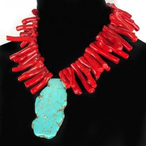 Gorgeous vintage turquoise and coral necklace